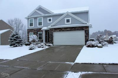 Brandon Twp Single Family Home For Sale: 662 Autumn Valley Dr