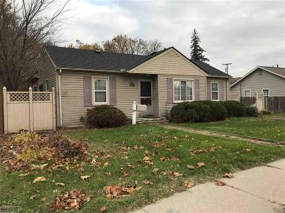 Redford Single Family Home For Sale: 11668 Beech Daly