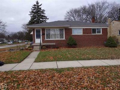Clawson Single Family Home For Sale: 1105 N Main