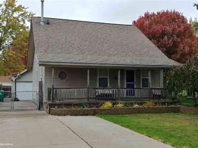 Eastpointe Single Family Home For Sale: 16923 Stephens