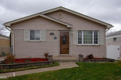 St Clair Shores, Roseville, Harrison Twp, Warren, Clinton Twp Single Family Home For Sale: 32083 Linderman