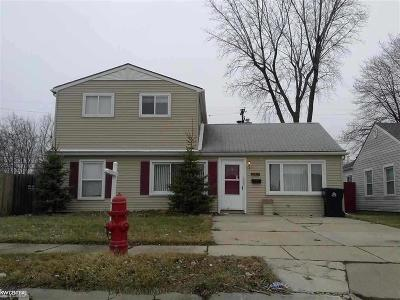 St Clair Shores, Roseville, Harrison Twp, Warren, Clinton Twp Single Family Home For Sale: 26235 Woodmont St