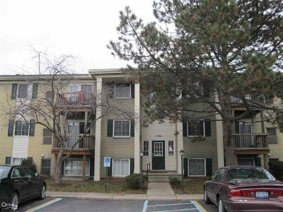Utica Condo/Townhouse For Sale: 45210 Keding #102