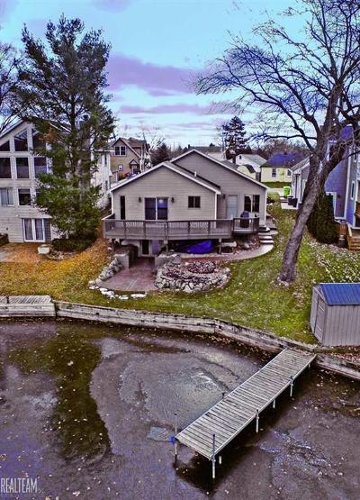 White Lake Single Family Home For Sale: 9484 Bonnie Briar