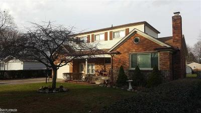 Macomb Twp Single Family Home For Sale: 23609 Harrellson