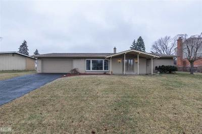 Shelby Twp Single Family Home For Sale: 8139 Hedgeway