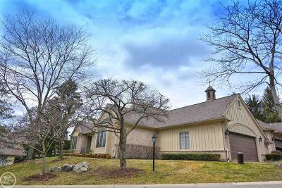 Bloomfield, Bloomfield Hills, Bloomfield Twp, West Bloomfield, West Bloomfield Twp Condo/Townhouse For Sale: 2420 Hickory Glen Dr
