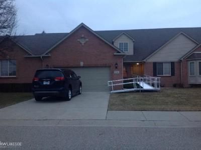 Macomb Twp Condo/Townhouse For Sale: 52246 Gabriella Ln #Unit 37