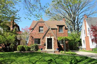 Grosse Pointe Single Family Home For Sale: 837 Fisher