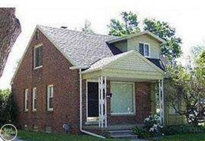 Redford Single Family Home For Sale: 11302 Berwyn