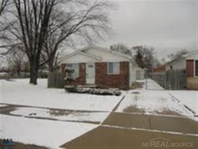 St Clair Shores, Roseville, Clinton Twp, Fraser Single Family Home For Sale: 35080 Mabon