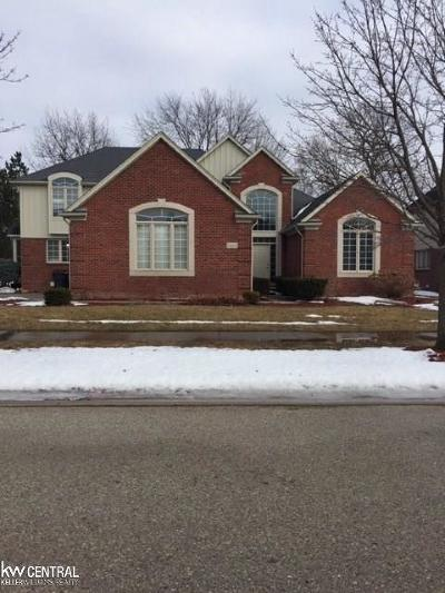 Shelby Twp Single Family Home For Sale: 54402 Sassafras