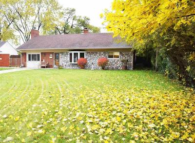 St Clair Shores, Roseville, Clinton Twp, Fraser Single Family Home For Sale: 15890 E Crestmont St