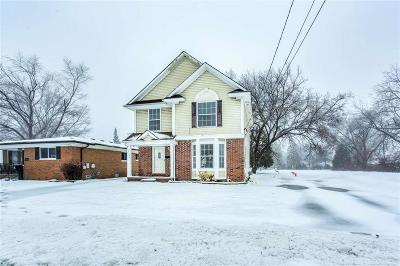 St Clair Shores, Roseville, Fraser, Harrison Twp Single Family Home For Sale: 27327 Maple Street