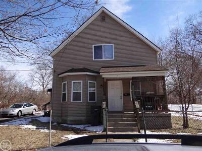 Pontiac Single Family Home For Sale: 146 Edison