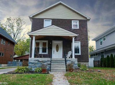 Royal Oak Single Family Home For Sale: 120 Kayser Avenue