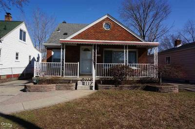 Madison Heights MI Single Family Home For Sale: $194,900