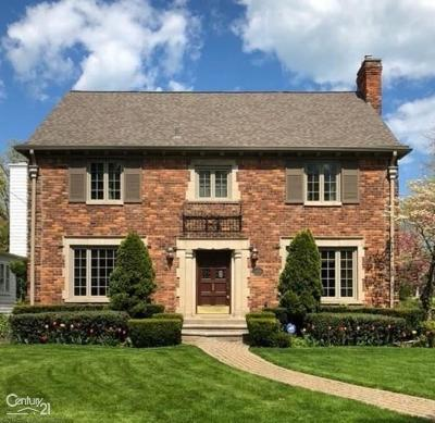 Grosse Pointe Single Family Home For Sale: 600 Lincoln