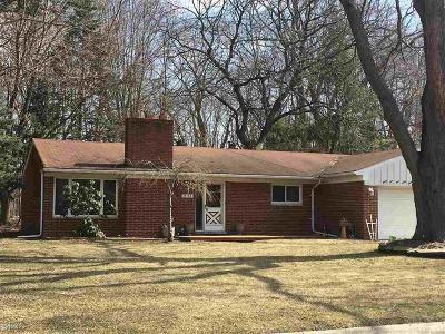 Harrison Twp Single Family Home For Sale: 35164 Dumbarton