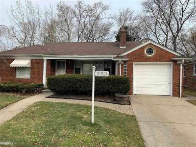 St. Clair Shores Single Family Home For Sale: 21521 Benjamin