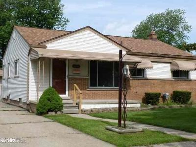 St. Clair Shores, Harrison Twp, Roseville, Clinton Twp Single Family Home For Sale: 26041 Bryan