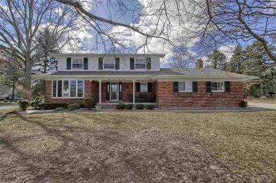Shelby Twp Single Family Home For Sale: 5594 Celestial Ct.