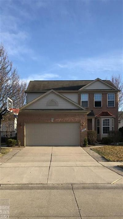 Macomb Twp Single Family Home For Sale: 18854 Livingston Dr