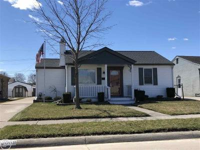 St. Clair Shores, Harrison Twp, Roseville, Clinton Twp Single Family Home For Sale: 23058 Socia