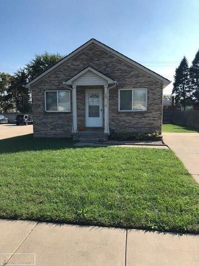 Warren, Eastpointe, Roseville, St Clair Shores Single Family Home For Sale: 20450 E 14 Mile Rd
