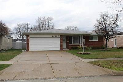 Sterling Heights Single Family Home For Sale: 13037 Picadilly