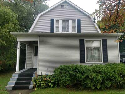Oxford Single Family Home For Sale: 74 Pontiac Street