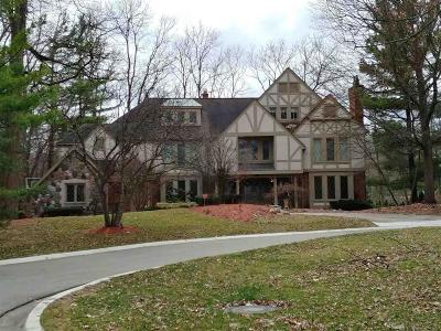 Bloomfield Hills Single Family Home For Sale: 269 Chestnut Circle
