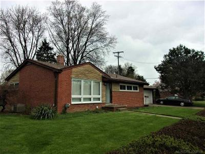 Shelby Twp, Utica, Sterling Heights, Clinton Twp Single Family Home For Sale: 22175 E Price Dr