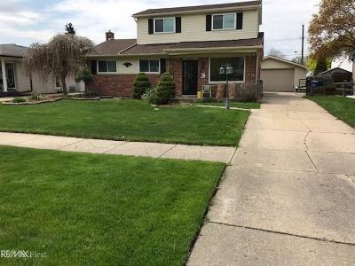 Warren Single Family Home For Sale: 30233 Hayes