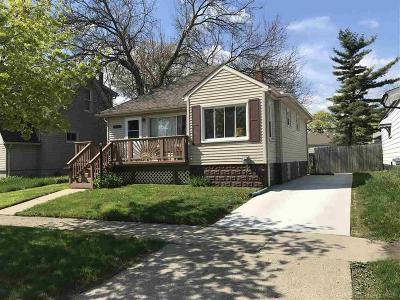 Hazel Park Single Family Home For Sale: 743 E Maxlow