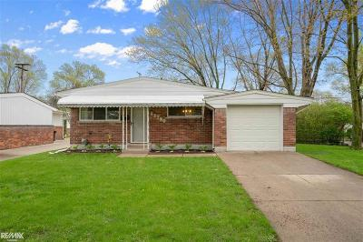 Sterling Heights Single Family Home For Sale: 43700 Donley