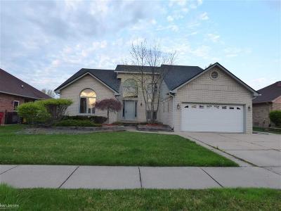 Macomb Twp Single Family Home For Sale: 50860 Cambridge