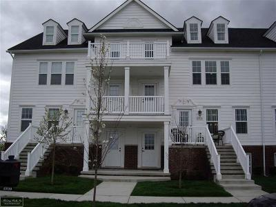 Macomb Twp Condo/Townhouse For Sale: 53719 Champlain