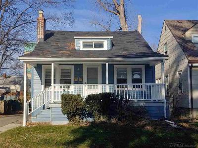 Ferndale Multi Family Home For Sale: 359 E Saratoga