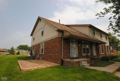 Sterling Heights Condo/Townhouse For Sale: 35256 Terrybrook