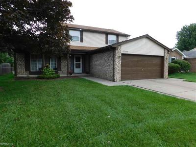 Macomb Twp Single Family Home For Sale: 47474 Valley Forge Dr.