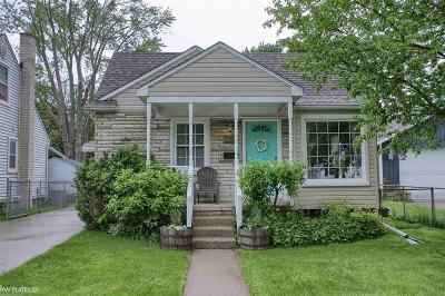 Royal Oak Single Family Home For Sale: 607 E 12 Mile Rd.