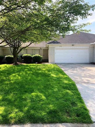 Clinton Twp Condo/Townhouse For Sale: 38592 Cypress Meadow Dr.