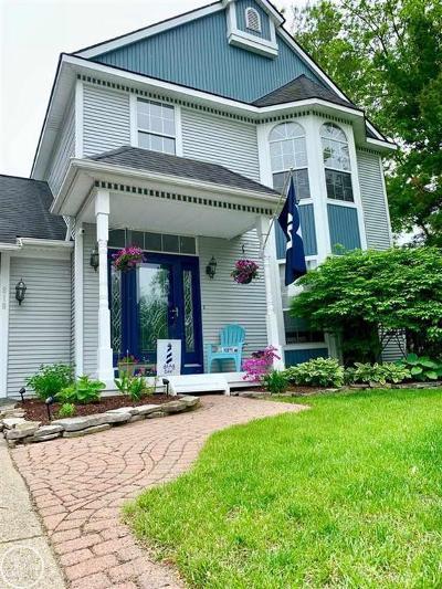 Oxford Single Family Home For Sale: 818 Leighton