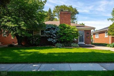 St. Clair Shores Single Family Home For Sale: 22648 Rosedale