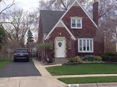 Macomb County Single Family Home For Sale: 15122 Camden