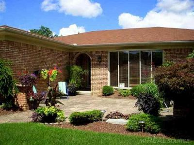 Clinton Twp Single Family Home For Sale: 35347 Riebel