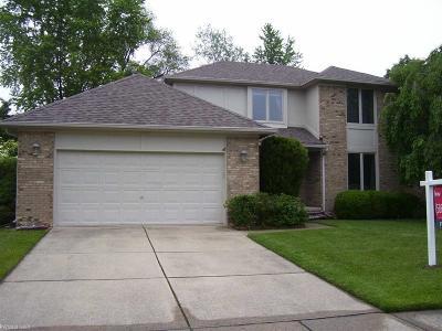 Clinton Twp Single Family Home For Sale: 44040 Cadburry