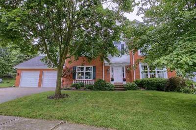Washington Twp Single Family Home For Sale: 364 Lexington Circle