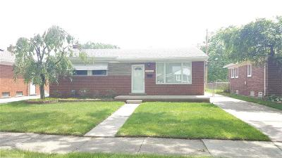 Macomb County Single Family Home For Sale: 24624 Beck